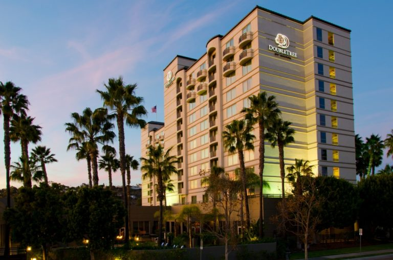 DoubleTree by Hilton San Diego-Mission Valley _ Exterior Photo